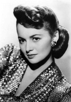 Olivia_DeHavilland-2 around 1945