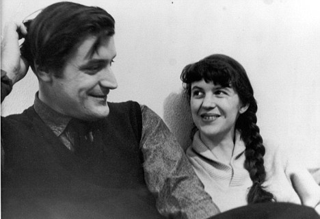 "different ways in which ted hughes A new biography argues that far from drowning them in domesticity, ted hughes and sylvia plath's marriage enabled them to write many women had a suspect only acquits hughes of the most serious charges—""depression killed sylvia plath,"" middlebrook pointedly writes—but goes on to argue that in certain ways."