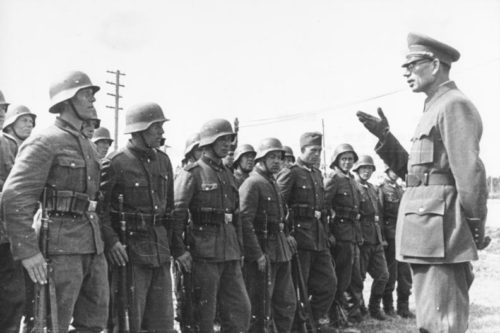 Vlasov speaks to volunteers of the Russian Liberation Army