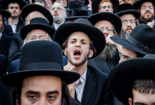 jewish_crowd_crop