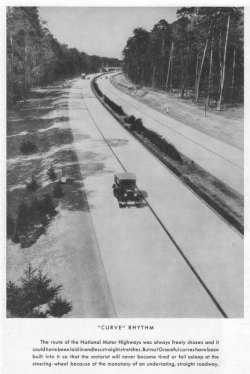 CurvedRythmAutobahn700